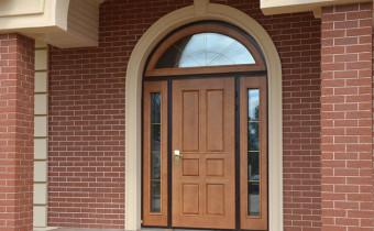 Входная дверь как часть интерьера