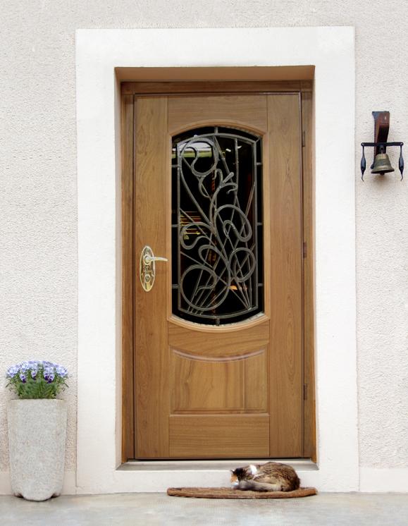надежные входные двери в загородный дом
